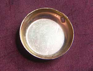 miniature frying pan with broken handle